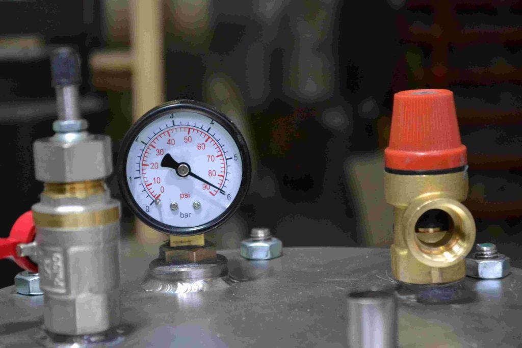 Врезка термометра в цистерну