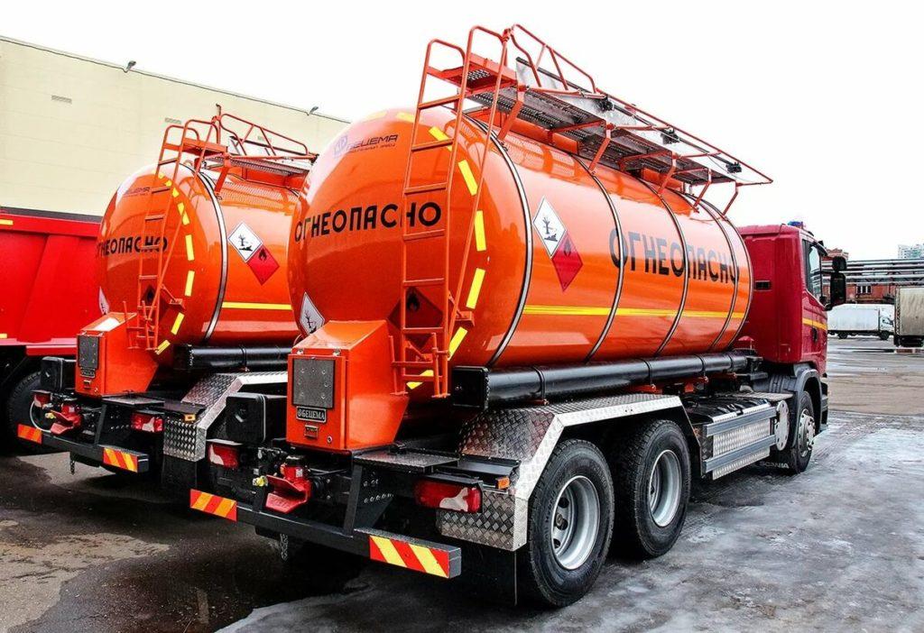 Автоцистерны для перевозки темных нефтепродуктов